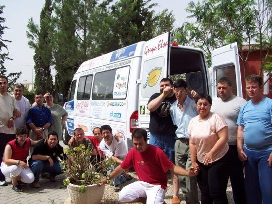 El Centro Ocupacional Las Salinas disfruta de un nuevo vehículo para el transporte de sus alumnos, Foto 1