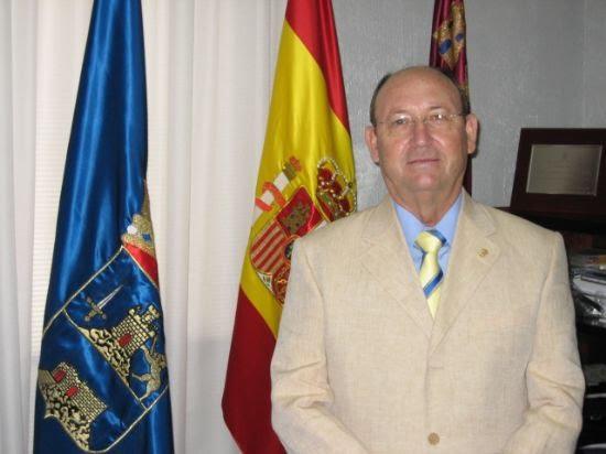 El alcalde de Alhama hace repaso de la gestión municipal durante este año y felicita la Navidad y el 2007 a sus vecinos, Foto 1