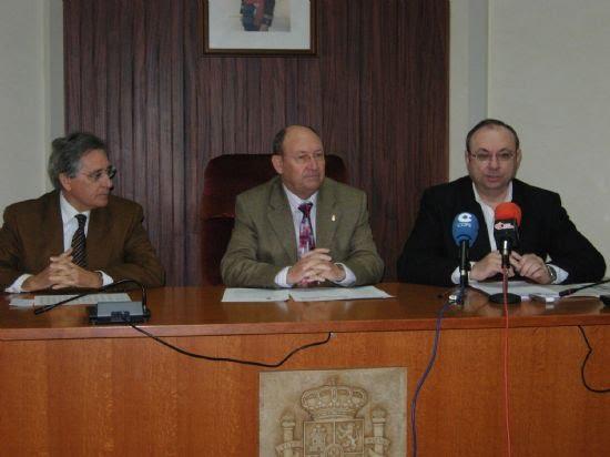 El Ayuntamiento de Alhama inicia los trámites para la adquisición de treinta viviendas de Protección Oficial, Foto 1