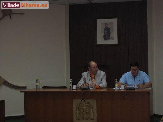 Primer pleno extraordinario del Ayuntamiento de Alhama donde se acordaron las retribuciones de los miembros de la corporación municipal., Foto 2