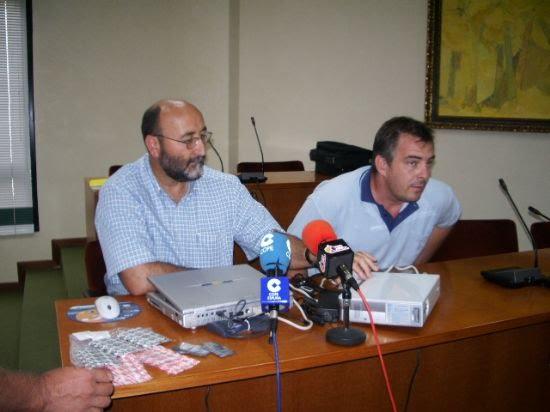 La Concejalía de Agricultura presenta en el Consistorio la campaña regional contra la mosca de la fruta, Foto 1