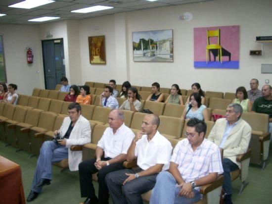 El vicerrector de Extensión Universitaria de la Universidad del Murcia y el alcalde inauguran los cursos que la Universidad del Mar imparte en Alhama , Foto 2