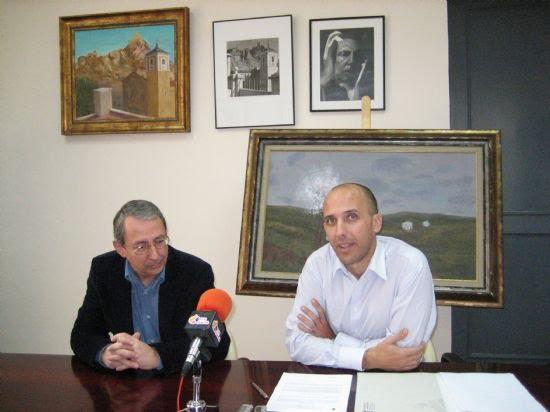 La familia de Antonio Pérez cede dos cuadros en acrílico al Ayuntamiento , Foto 1