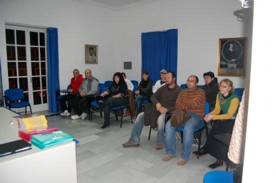 La sala de Audiovisuales del Centro Cultural Plaza Vieja acoge un curso dirigido al voluntariado, Foto 1