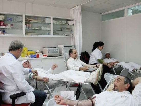 Los Trabajadores de ElPozo Alimentación, solidarios con la sociedad donando sangre, Foto 1
