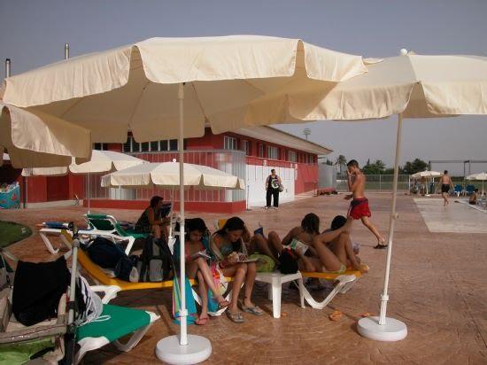 La biblioteca se traslada a la piscina municipal, Foto 3