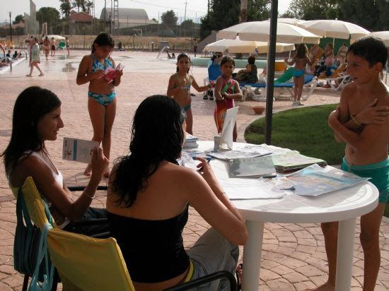 La biblioteca se traslada a la piscina municipal, Foto 4