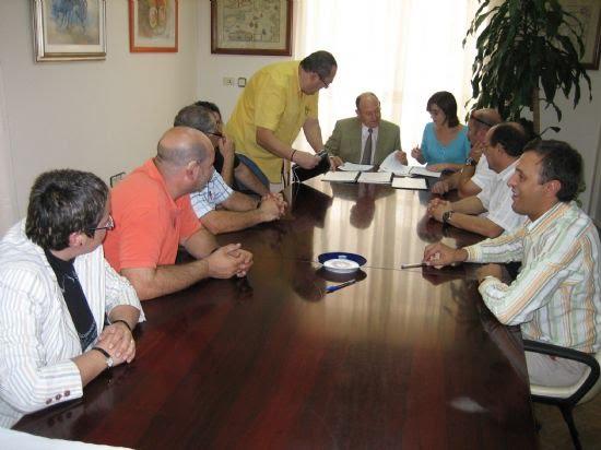 Un nuevo convenio de Iniciación Profesional dará formación y empleo a 30 jóvenes alhameños sin estudios , Foto 2