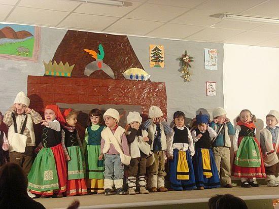 Alumnos y profesores del colegio Ricardo y Codorniu celebran la Navidad , Foto 2