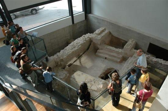 El Centro Arqueológico Los Baños recibe la visita de miembros de la Asociación para la Interpretación del Patrimonio, Foto 2
